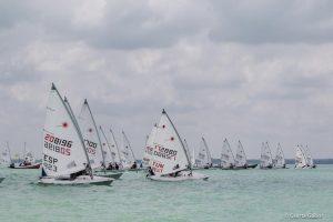Laseres és szörfös nyárindítás a Balatonon